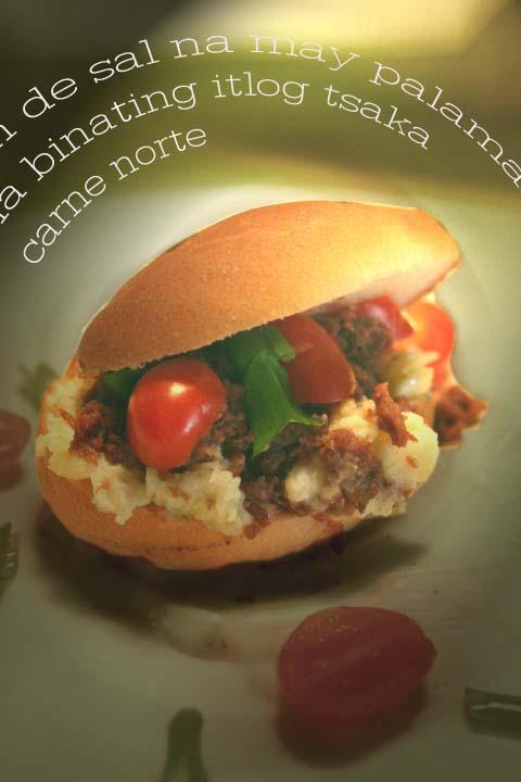 Pandesal_sandwich_copy